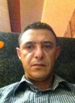 Momo, 46  , Tunis