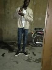 Clouse matopo, 18, Benin, Natitingou