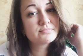 Anna, 29 - Just Me