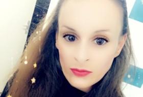 Sarah , 31 - Just Me
