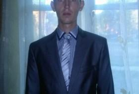 Anton, 28 - Just Me