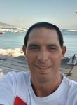Antonio , 46  , Napoli