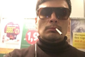 Igor , 31 - Just Me