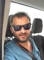Ionut, 33, Romania, Botosani