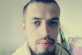 Dima, 26 - Just Me