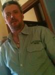 Roberto, 48  , L Hay-les-Roses