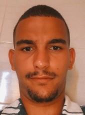 Mahieddine , 21, France, Marseille 10