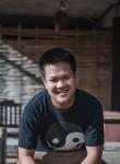 jim, 18  , Vangviang