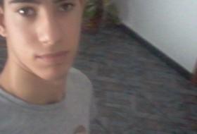 Enrique, 22 - Just Me