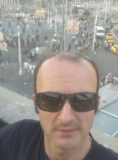 Umut, 37, Turkey, Istanbul