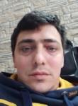 Mario, 18, Rome