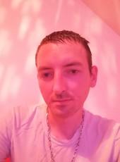 Anthony, 30, France, Paris