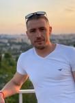 Alex , 30  , Brussels