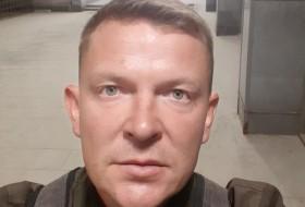 Vitaliy, 37 - Just Me