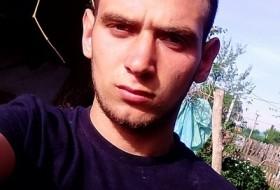 Vadim, 22 - Just Me