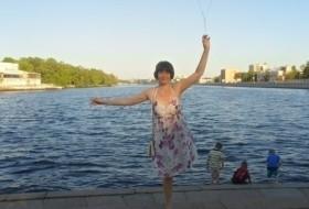 Larisa, 46 - Just Me