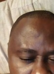 ISMAËL, 36  , Libreville