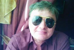 aleks, 54 - Just Me