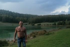 Grisha , 31 - Just Me