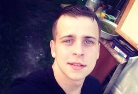 Vladimir, 23 - Just Me