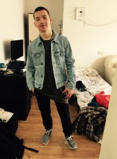 danil, 21, Russia, Is