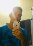Rodrigo , 19  , Santiago de los Caballeros