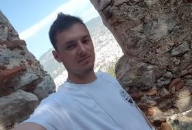 Artur, 33 - Just Me
