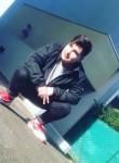 Sastro, 18  , Pau