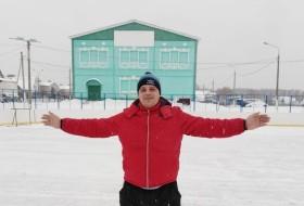 Valeriy , 38 - Just Me