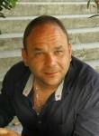 Vladimir Katkov, 38  , Zavodoukovsk