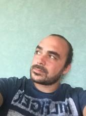 Olivier, 26, France, Nantes