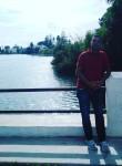 Chapouza, 39, Tunis