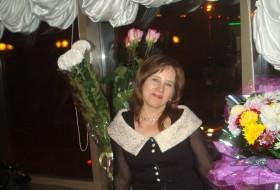 Nina, 58 - Just Me