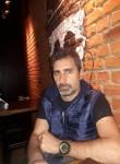 Damián, 45  , Colegiales