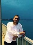 Mahmut, 47  , Turki