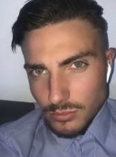 Damien , 19, France, Lyon