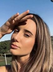 Sophie, 20, Australia, Canberra