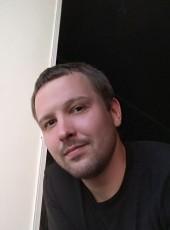 Maksim, 31, Russia, Magadan