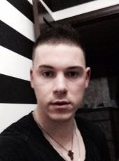 Maksim, 27, Belarus, Lida