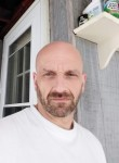 Howard , 46  , New York City
