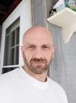 Howard , 46  , New York City