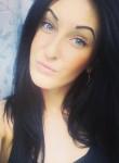 Karina, 25  , The Valley