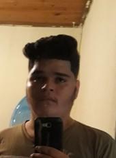 Vitor, 19, Brazil, Birigui
