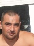 Yannick, 47, Brest