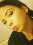 Astrid, 33  , Gradignan