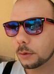 Mario, 34  , Cosenza