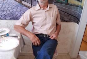 Aleksandr , 65 - Just Me