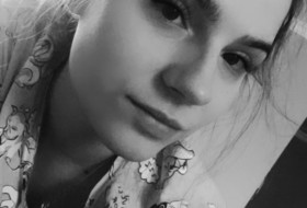 Yuliya, 22 - Just Me