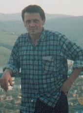 Aleksandr, 58, Russia, Bodaybo