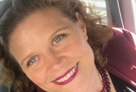 Leslie, 53 - Just Me